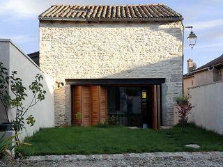 demi-niveaux (Saône-et-Loire) atacama architecture Maisons modernes