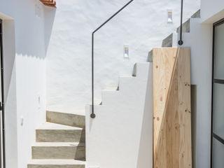 homify Balcones y terrazas de estilo moderno