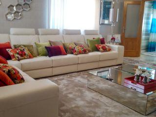 Andreia Louraço - Designer de Interiores (Email: andreialouraco@gmail.com) Salas de estilo moderno Derivados de madera Verde