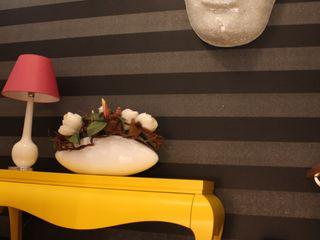 Andreia Louraço - Designer de Interiores (Email: andreialouraco@gmail.com) Pasillos, vestíbulos y escaleras de estilo moderno Madera Negro