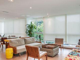 RESIDENCIA FAMILIAR SÃO CONRADO RJ AR Arquitetura & Interiores Salon moderne