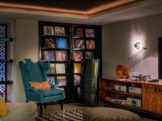 Timeless with a twist Viterbo Interior design Salas multimédia ecléticas