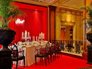 Critério Arquitectos by Canteiro de Sousa Classic style dining room Red