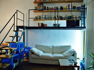Nicola Sacco Architetto Salones de estilo industrial Hierro/Acero Blanco