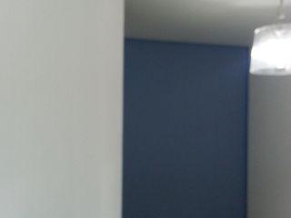 VIVAinteriores Nowoczesny korytarz, przedpokój i schody Niebieski