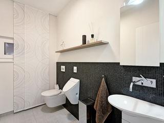 Lopez-Fotodesign Modern bathroom White