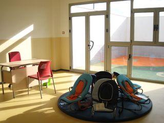 Escuela infantil estudio MG arquitectura y urbanismo Dormitorios infantiles de estilo moderno