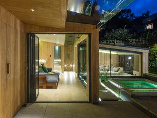 The Garden Room Folio Design モダンな 壁&床 木 緑