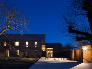 UN CHATEAU POUR 2 yann péron architecte Maisons modernes