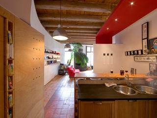 REHABILITATION D'UN APPARTEMENT yann péron architecte Salle à manger moderne