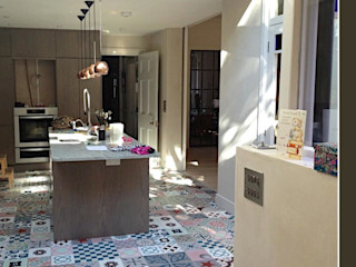 Pinar Miró S.L. 現代廚房設計點子、靈感&圖片