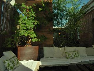 Un ático en Guadalajara El creador de paisajes Balcones y terrazas de estilo moderno