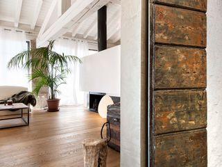 Studio Maggiore Architettura Modern living room