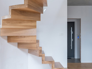 BRODA schody-dywanowe Corridor, hallway & stairsStairs Wood