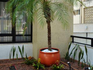 Atelier Plural Modern Terrace
