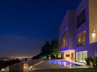 Portico Arquitectura + Construcción 모던스타일 수영장