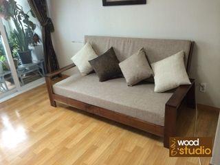 홍스목공방 Living roomSofas & armchairs Kayu