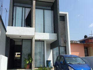 Neutral Arquitectos Modern houses