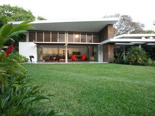 Casa BA oda - oficina de arquitectura Jardines modernos