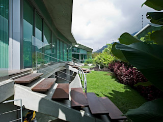 Casa AG oda - oficina de arquitectura Jardines modernos