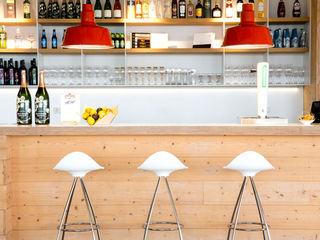 Onda Design Within Reach Mexico CocinaMesas, sillas y bancos Plástico Blanco