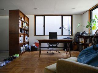 TOKYO STANDARD HOUSE case2 HOUSETRAD CO.,LTD モダンデザインの 書斎