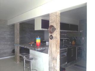 omnibus arquitetura Modern Kitchen Granite
