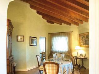 ADI ARREDAMENTI Classic style dining room Wood Green