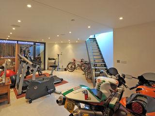 Basement Paul Wiggins Architects Gimnasios en casa de estilo moderno
