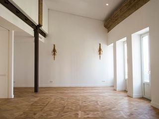 MAR House Singularq Architecture Lab Salones de estilo mediterráneo Blanco