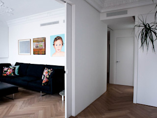 PQ Apartment Singularq Architecture Lab Salones de estilo mediterráneo