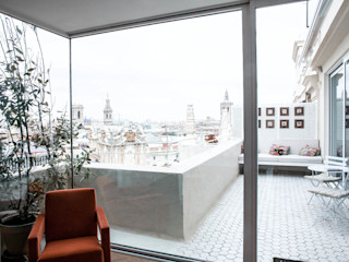 PQ Apartment Singularq Architecture Lab Balcones y terrazas de estilo mediterráneo