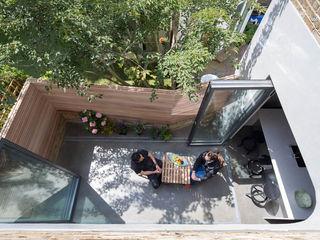 Brackenbury House Neil Dusheiko Architects Modern style gardens