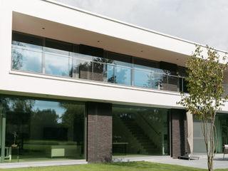 house JV-K Niko Wauters architecten bvba بلكونة أو شرفة