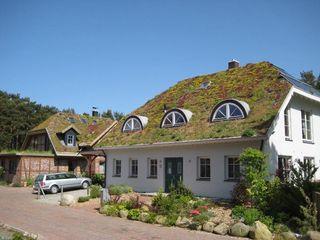 Natur & Heim GmbH Casas de estilo escandinavo