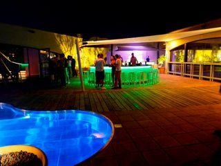 Discoteca Pasarel.la Empuriabrava ruiz narvaiza associats sl Bares y clubs de estilo moderno