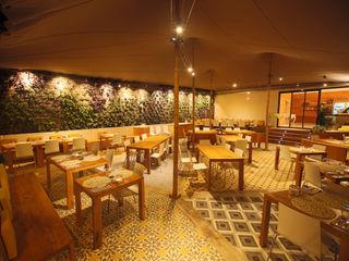 Terraza Draulic Hotel Canyelles Roses ruiz narvaiza associats sl Gastronomía de estilo moderno