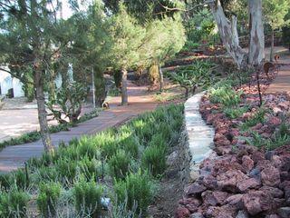 """Jardin """"El Bulli"""" Roses ruiz narvaiza associats sl Jardines de estilo mediterráneo"""