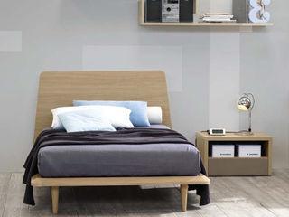 'Canova' wooden bed with headboard by Corazzin homify Camera da lettoLetti e testate Legno Effetto legno