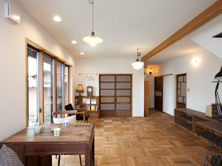 アトリエdoor一級建築士事務所 客廳 木頭 Wood effect