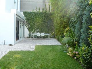 Casa en Lisboa Estudio Marta Byrne Paisajismo Jardines de estilo moderno