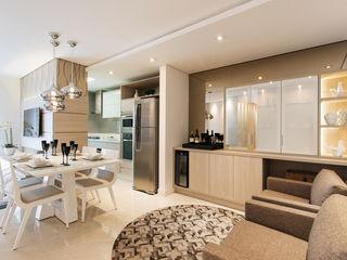 TRÍADE ARQUITETURA Modern Living Room Wood Beige