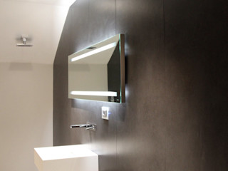 Ernesto Fusco ミニマルスタイルの お風呂・バスルーム 灰色