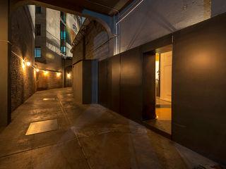 ROMERO DE LA MORA Bares y clubs de estilo moderno