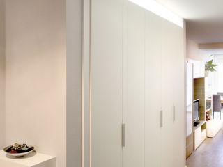 amBau Gestion y Proyectos Moderner Flur, Diele & Treppenhaus