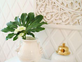 White Glam Living room