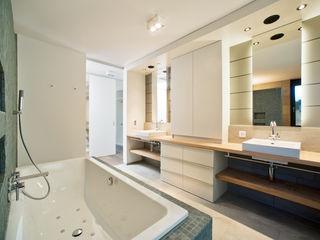 Umbau Hofhaus Giesser Architektur + Planung Badezimmer im Landhausstil