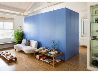 RSRG Arquitetos Salas de estilo minimalista Madera Azul