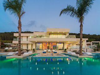 Afrodita Miralbo Excellence Modern houses
