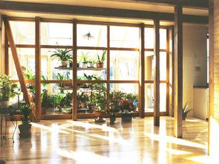 ユミラ建築設計室 Nowoczesny ogród zimowy